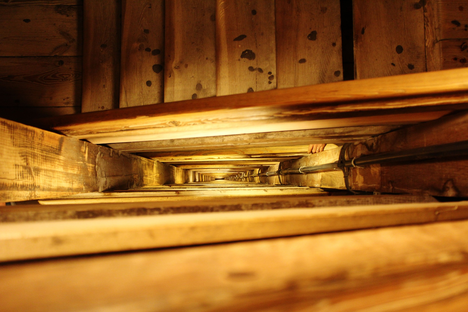 stairs-1036882_1920.jpg