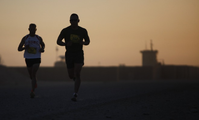 runners-802904_1920.jpg