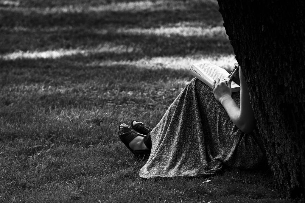 獨處也是療傷的旅程,觸摸和釋放內心的情緒,讓自己變得更真實和完整。若情緒不離開,理性也回不來,更遑論要尋求解難的出路。